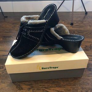 Baretrap Clogs